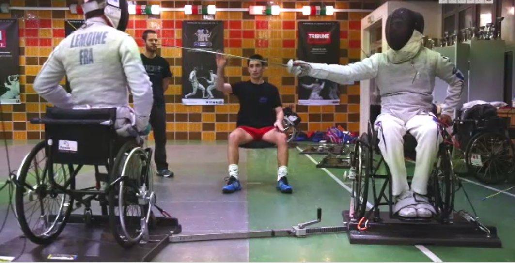 #AnneeOlympisme Le #sport sous 1 nouvel angle Arbitre à la pointe de l&#39;épée  https://www. reseau-canope.fr/notice/arbitre -a-la-pointe-de-lepee.html &nbsp; …  #escrime #paralympics #SemaineOlympique<br>http://pic.twitter.com/8RbXXtLWW5