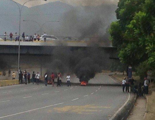 ¡PARA VARIAR! Fracasada marcha opositora en Valencia terminó en violen...