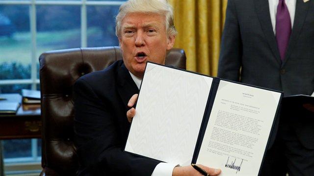 ABD Başkanı Donald Trump, görevi devralmadan önce görevli olduğu 400 ş...