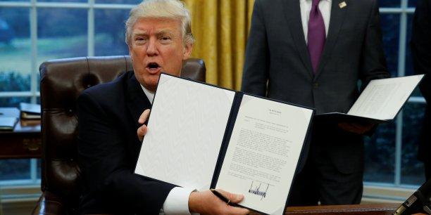 Donald Trump retire officiellement les Etats-Unis du TPP  #kebetu #USA #Commerce #Canada   http:// xfru.it/VSHC6E  &nbsp;  <br>http://pic.twitter.com/qEJJoAdVuz