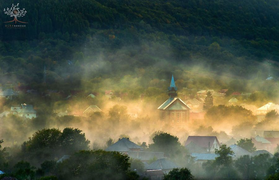 Photographer Alex Robciuc captured enchanting views of the Carpathian...