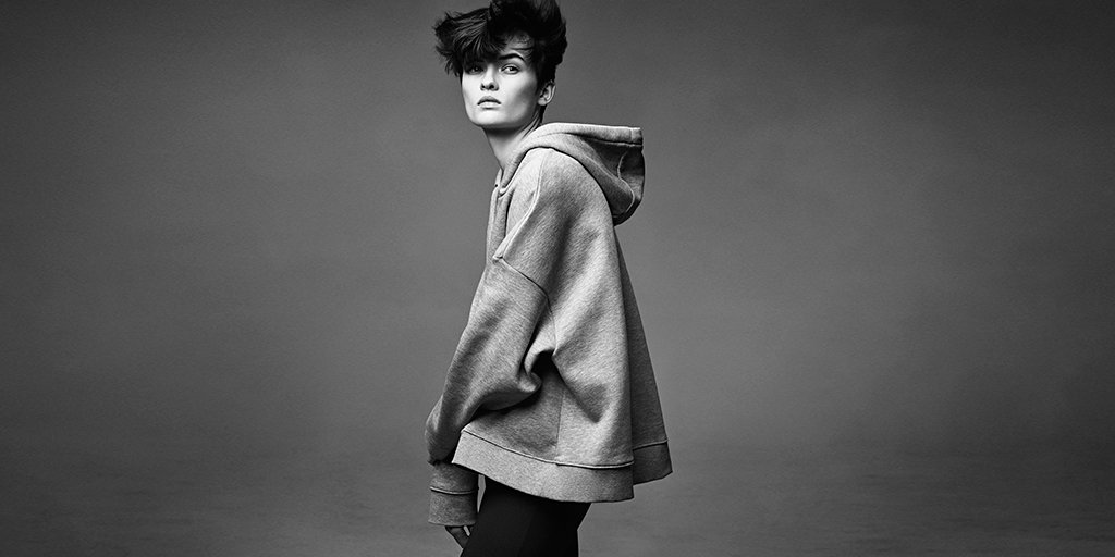 Aujourd'hui sur #HMMagazine: l'histoire de style du #hoodie  http:// hm.info/174gq  &nbsp;  <br>http://pic.twitter.com/jFiZ1HopvR