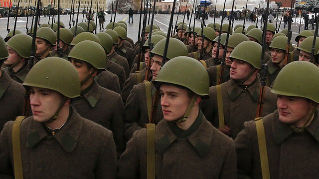 Rus ordusu Ermenistan'da tatbikat yapıyor. https://t.co/v0zlonX0E8 htt...