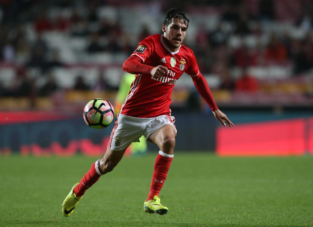 Clube da Premier League interessado no lateral Yuri Ribeiro, do Benfica