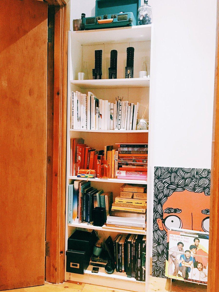 Co colour coordinated bookshelf - Nkrystal On Twitter I Also Colour Coordinate My Bookshelf Https T Co Oqd1lnnv5k