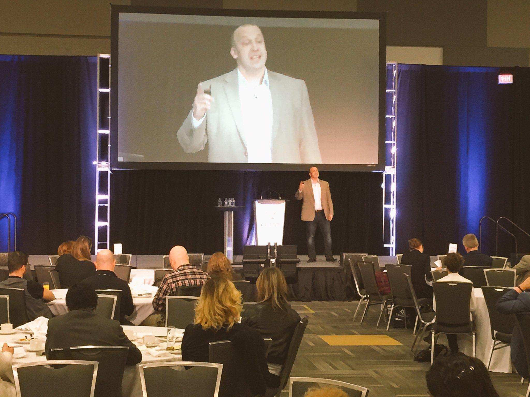@UQAM professor Louis Cournoyer discusses good career decisions. @ceric_ca @CounsellingFdn @cannexus #cannexus17 https://t.co/ZZZBMe9Jri