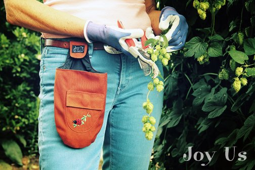 Keeping your pruners close to you just got easier! #gardening #product...