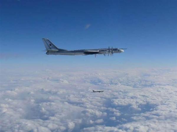ロシア軍機が日本を周回飛行 空自の戦闘機がスクランブル sankei.com/politics/ne…