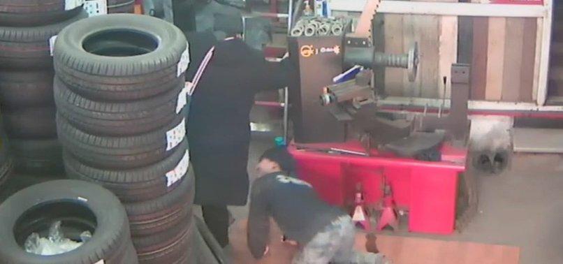 Arabasını tamire götürdü, baldırından ısırıldı https://t.co/K3LiKnJ5kR...