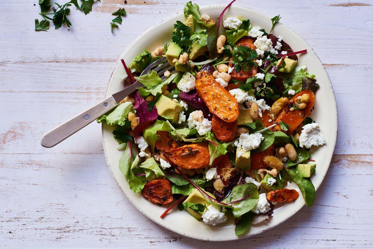 Dieser Salat war in unserer Testküche ein Renner: http://ow.ly/bVff308gDz6 #delicious #recipe #easycooking #avocado #salat #avocadosalat