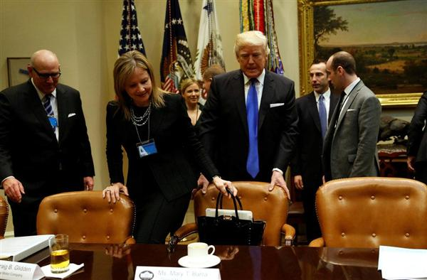トランプ大統領、パイプライン建設を促進するための大統領令に署名 sankei.com/world/n…