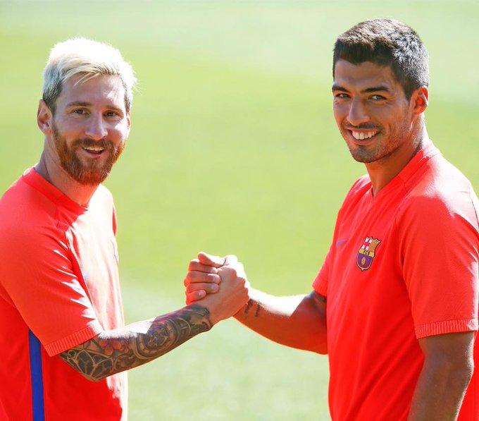 en su Facebook: ¡Feliz cumple amigo Luis Suarez!       Happy birthday, Luis, my friend!  - LIO