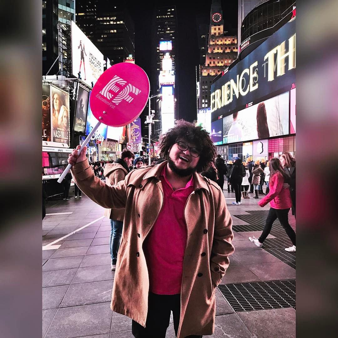 """#REPOST do nosso aluno @almondegado em #NY """"Live your life with arms wide open... """" 🗽 #EFmoment #EFNY #intercambio #estudarfora"""