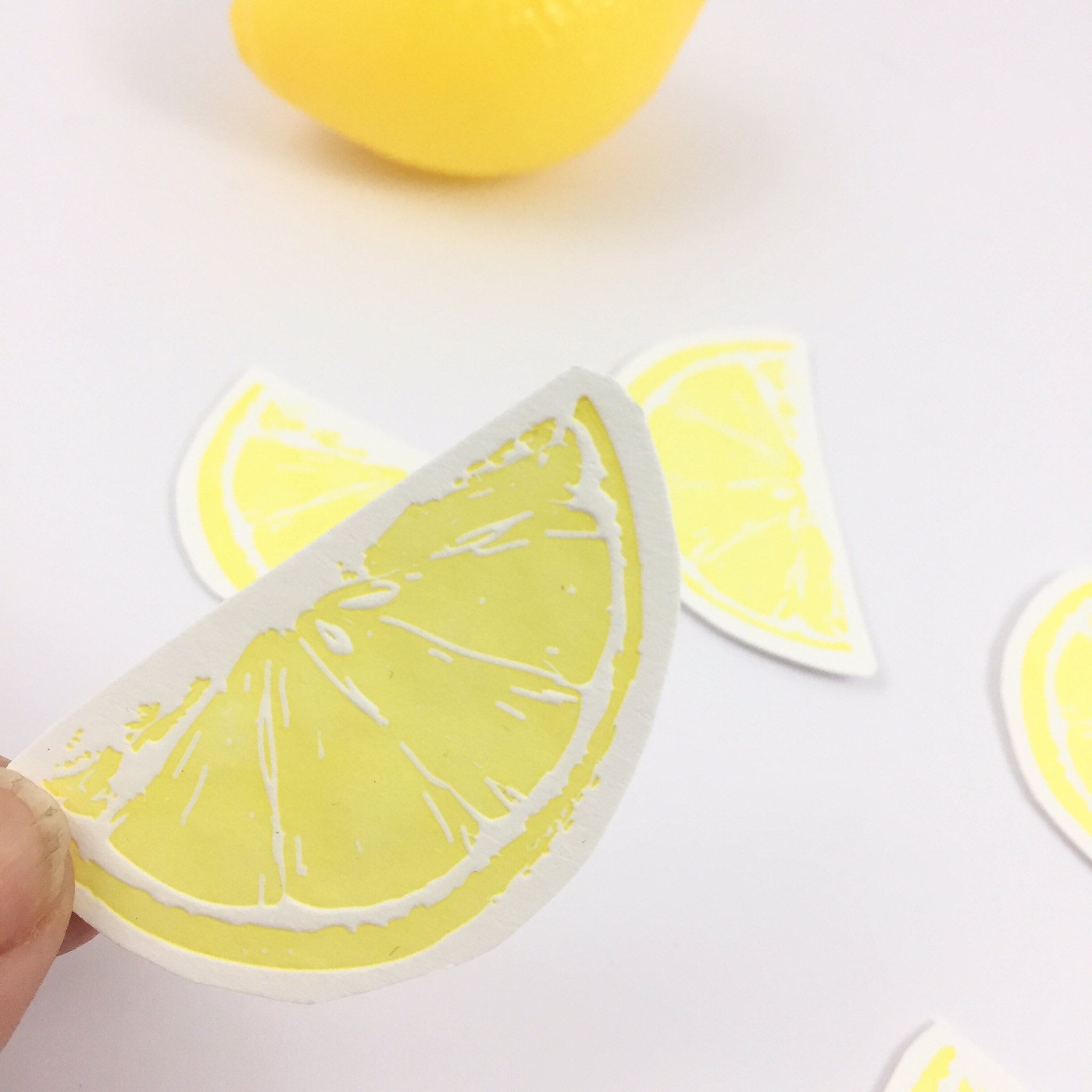 @folksy I'm busy pressing lemons for tonight's #folksyhour ... now just need to find that gin .... https://t.co/NAFxbIz5Zq