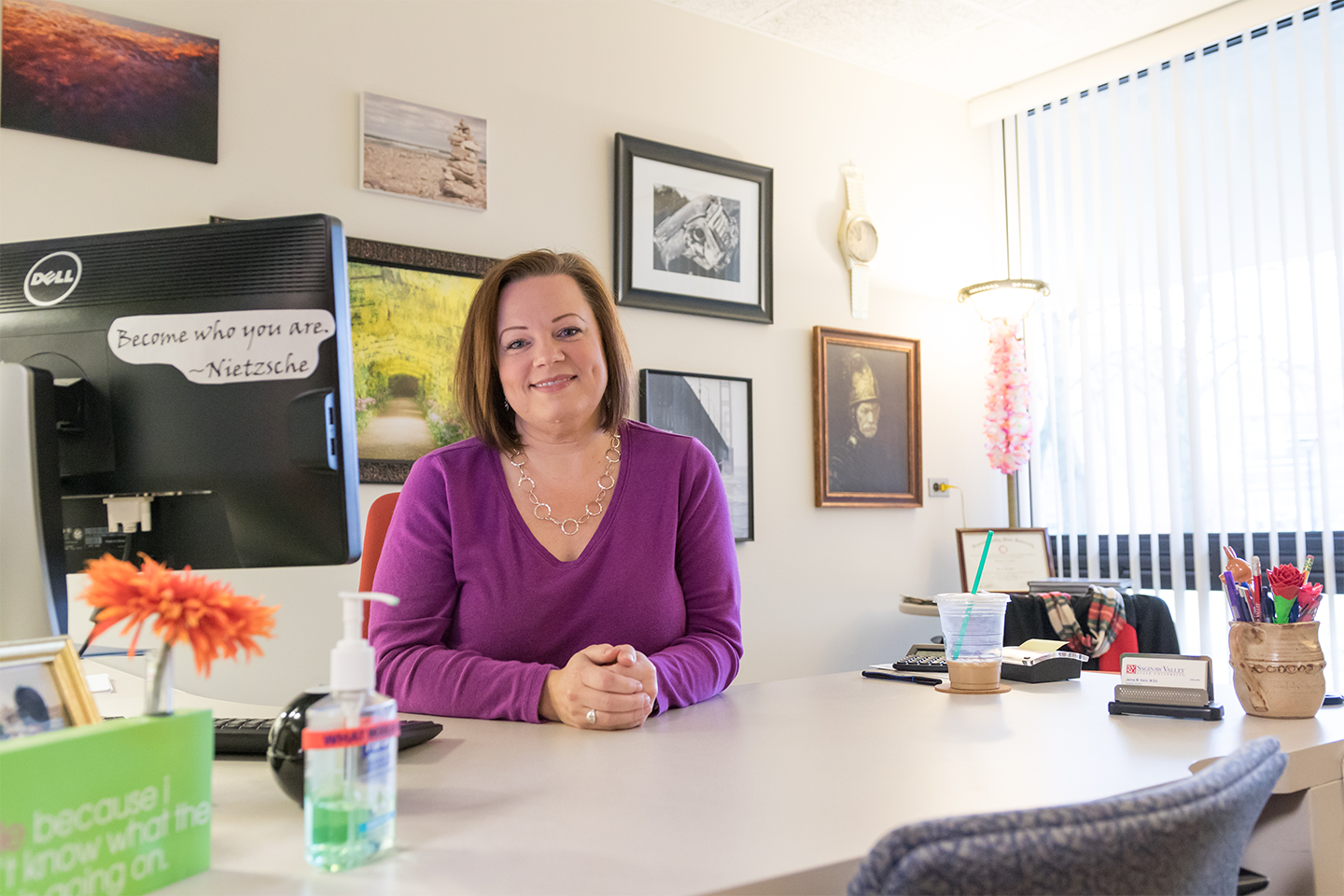 We love seeing our faculty and staff get recognized! Take a moment to read the story on Janna Kern! #WeCardinal https://t.co/xGBoM511mu https://t.co/gGL48nSwAZ