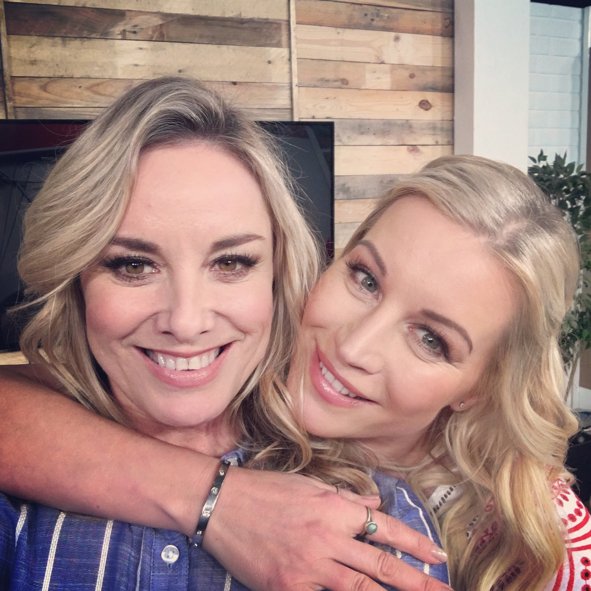 """Thanks for today @denise_vanouten @Matalan @tbseen . Always a brilliant time """"working """" with you Denise xxx https://t.co/HS2e8Sj1vQ"""