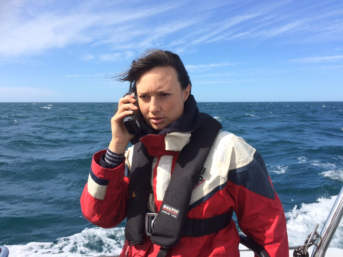 Cease and desist message delivered to seismic blasting ship  http://www. greenpeace.org/new-zealand/en /blog/cease-and-desist-message-delivered-to-seismic/blog/58481/#.WHgrD_NMeqg.twitter &nbsp; …  #ClimateAction <br>http://pic.twitter.com/DSLlndwQEe