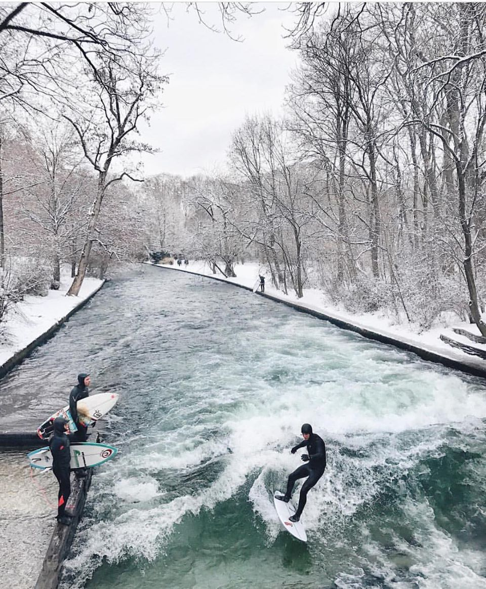 Winter Surfing in Munich, Germany https://t.co/VV15ka4Gbc
