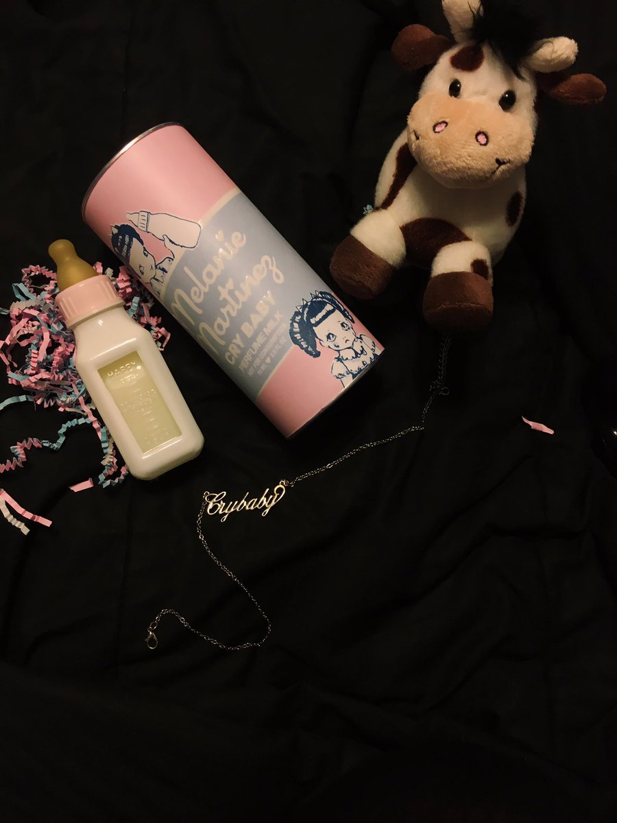 MY CRYBABY PERFUME CAME IN  @MelanieLBBH #CryBabyPerfumeMilk <br>http://pic.twitter.com/HZwVthYxPd