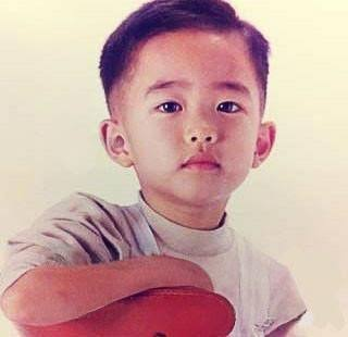Better than late than never, Happy Birthday to this squishy penguin Do Kyungsoo Always wishing you a sucess  #happykyungsooday <br>http://pic.twitter.com/wMeNDj3AuF