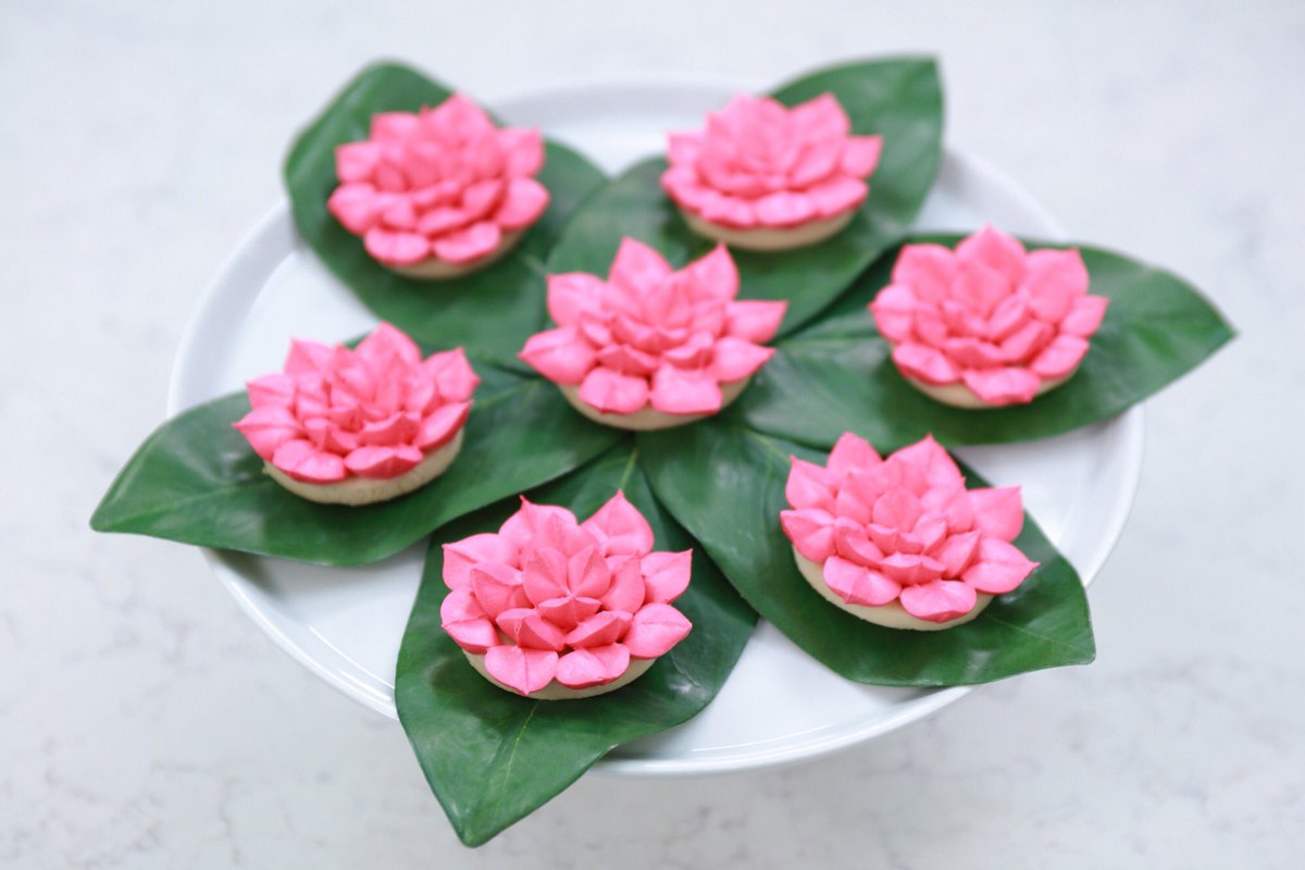 Rosanna Pansino On Twitter Here Are The Lotus Flower Cookies From