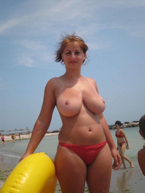 фото мамок на пляже