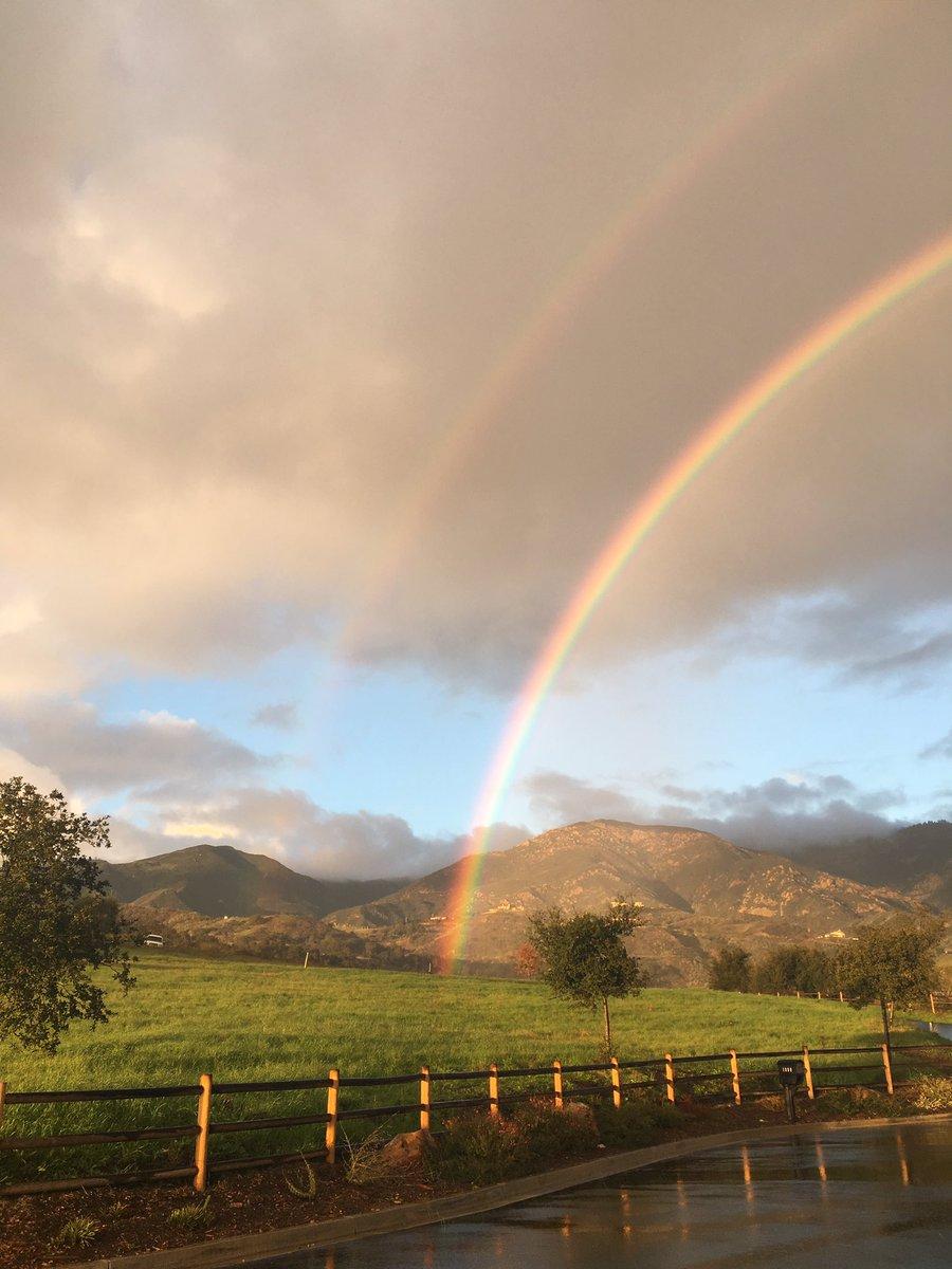 @KEYTNC3Alan beautiful double rainbow https://t.co/p20EIZsST5