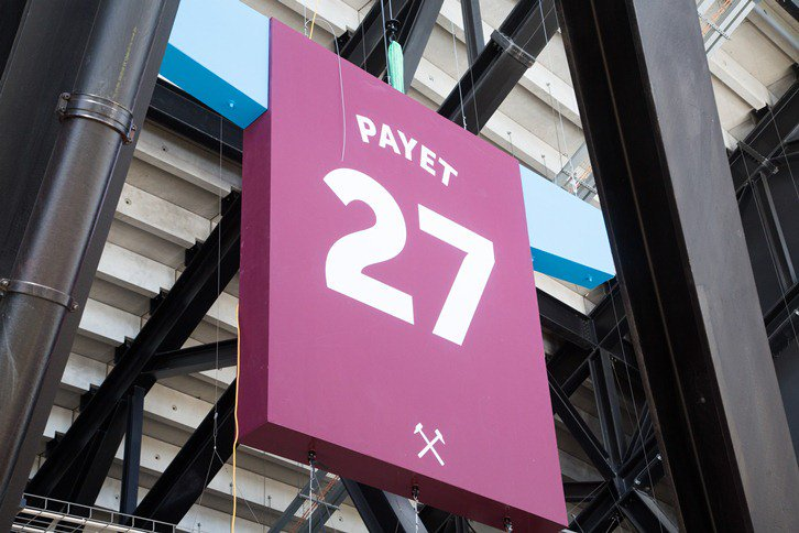 Let's replace the Payet shirt in the London Stadium with Carlton Cole @CarltonCole1 #WestHamLegend https://t.co/ehR4jhATb2