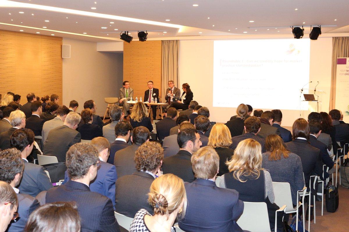 I EVENT I Salle comble pour la 3ème conférence Green &amp; #Sustainable #Bonds, organisée par l'équipe #ISR de la Recherche Global Markets #ESG<br>http://pic.twitter.com/2AEHOuuDto