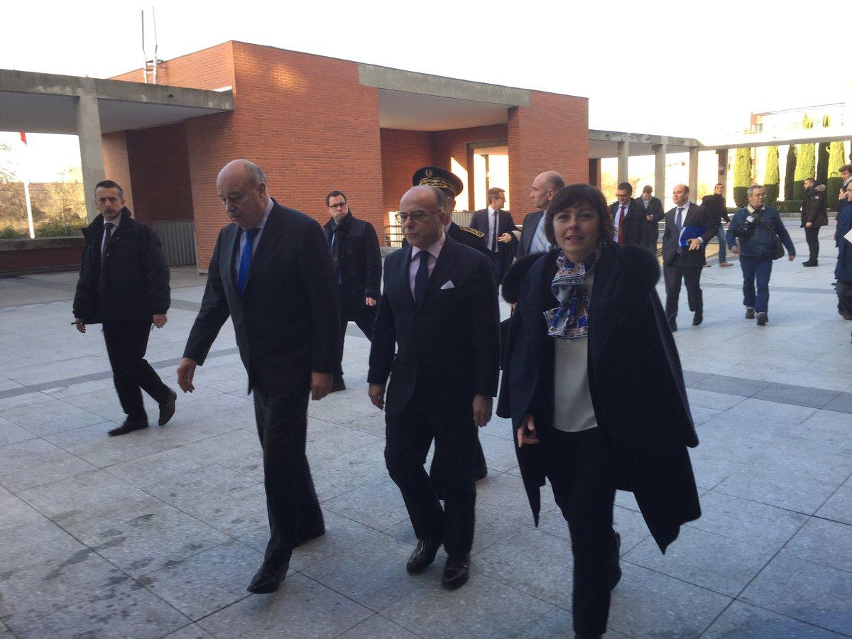 A l&#39;occasion de sa visite à #Toulouse j&#39;ai souhaité présenter à @BCazeneuve nos start-ups d&#39;#Occitanie présentes au #CES2017 #FrenchTech<br>http://pic.twitter.com/Tg7CaRtNXr