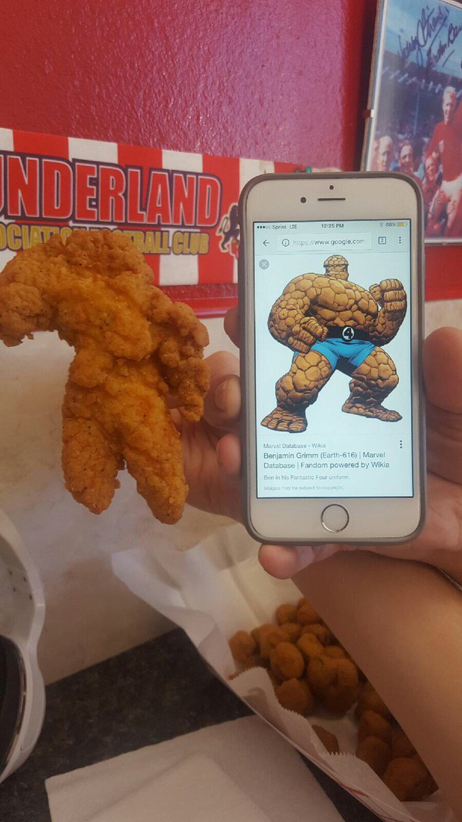 Good morning. This person has received a piece of fried chicken that looks like The Thing. https://t.co/bMfPL0cXSP