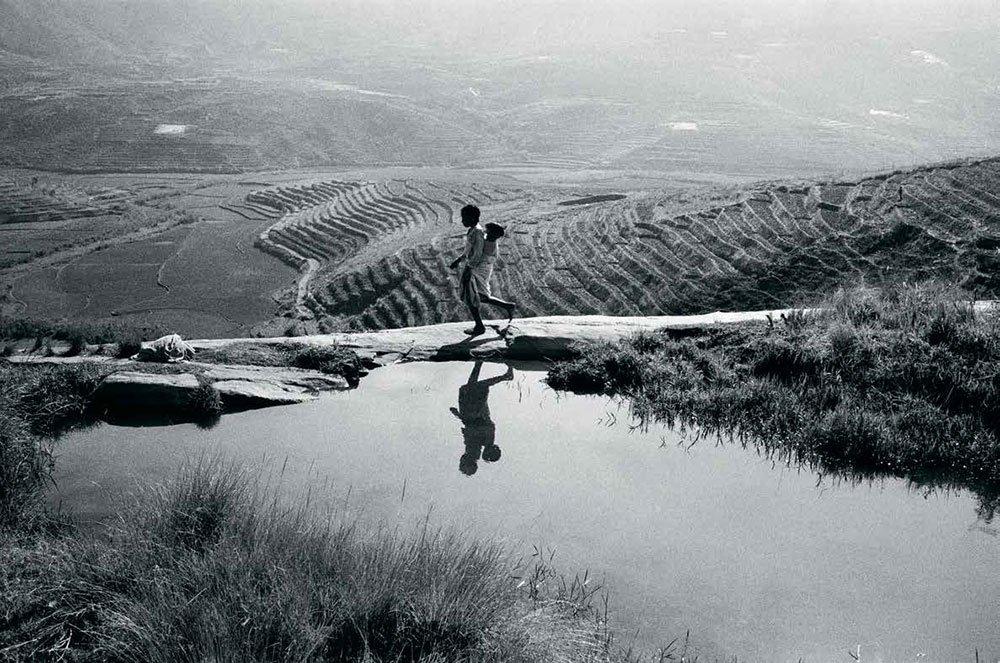 Découvrez &quot;#Madagascar, fragments de vie&quot;, une #exposition du photographe malgache Pierrot Men  https://www. nouvelle-aquitaine.fr/agenda-region/ madagascar-fragments-vie-exposition-photographe-malgache-pierrot-men.html &nbsp; … <br>http://pic.twitter.com/mrZlu0yGxn