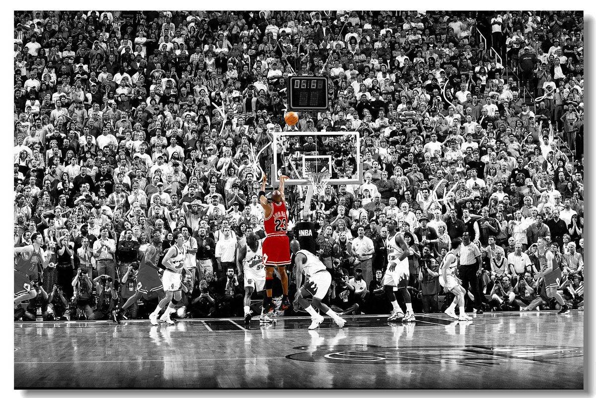 18 anos atrás, o maior atleta de todos os tempos se aposentava pela segunda vez. https://t.co/ThGMpPNSPd