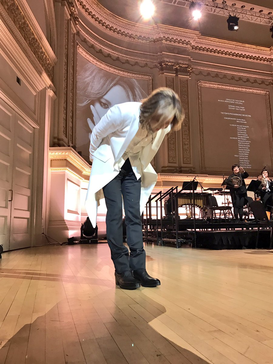 #Yoshiki was welling up with tears! Of course I was too #CarnegieHall #TokyoPhilharmonic #YOSHIKICLASSICAL @YoshikiOfficial @Yoshiki_Staff<br>http://pic.twitter.com/73LyTJ2Ks4