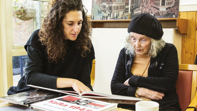 Please read @JewishRen article about our Wellbeing programme working with those living with dementia https://t.co/IZyc4kes0d #art #Wellbeing