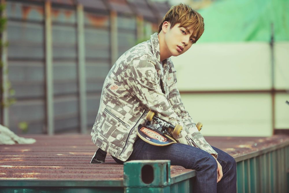 BTS\' Jin impresses with his fishing skills in the jungle