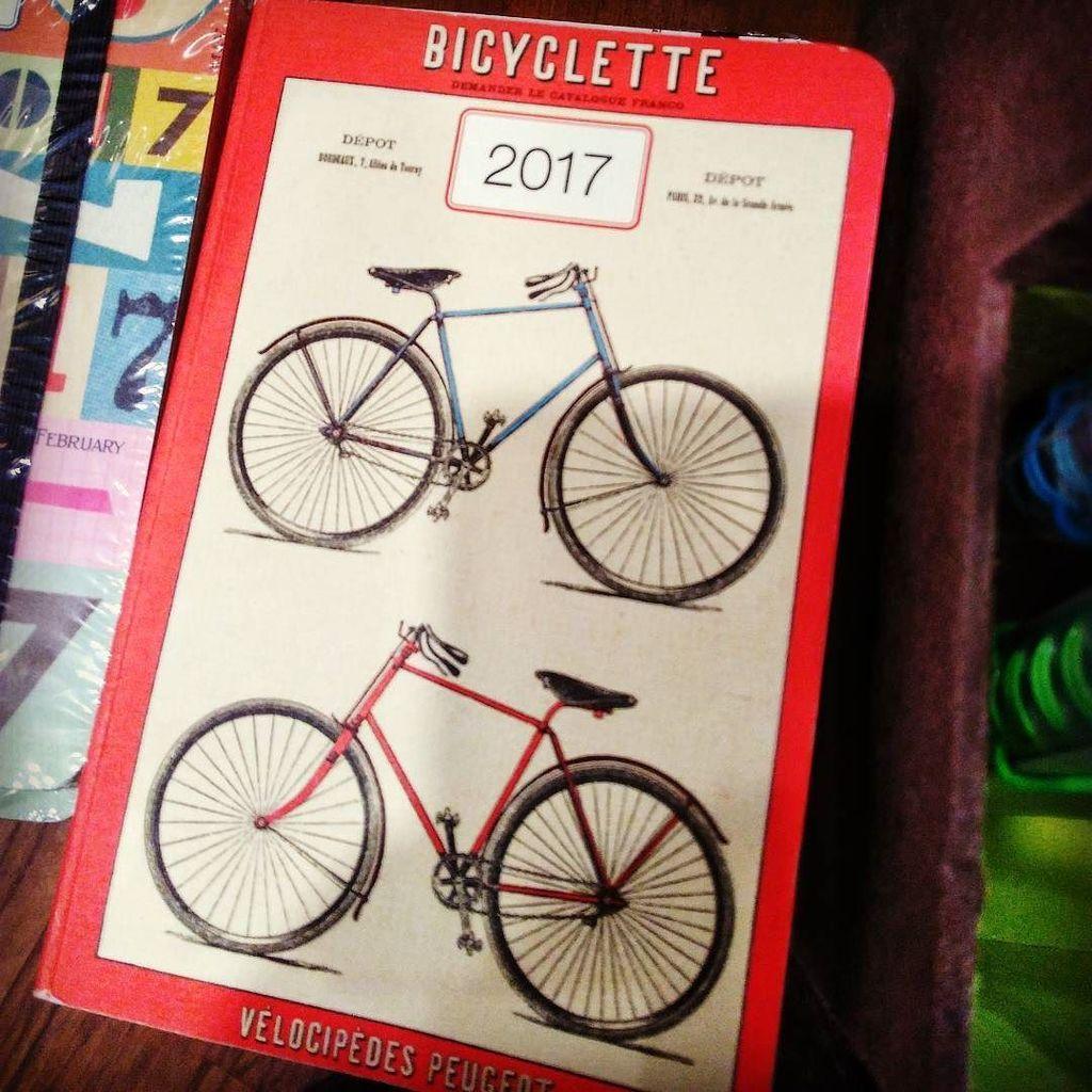 #2017, en vrai, c&#39;est l&#39;année de la #bicyclette ! #velocipede #velo #bicycle #agenda #year…  http:// ift.tt/2iksAhK  &nbsp;  <br>http://pic.twitter.com/BgG6IhaxCC