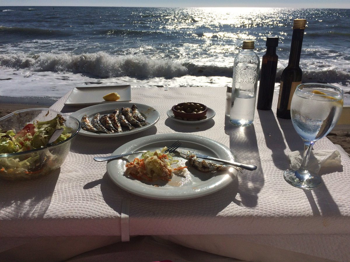 Glorious January weather... So I took myself to lunch  #marbs #marbslife #marbella #puertobanus #paseo #lunch #januarysun<br>http://pic.twitter.com/vPIdsgJ75q