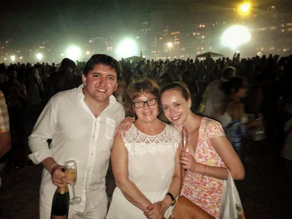 Bad company #reveillon #riodejaneiro #porteña #champagne #brigadeiro  http:// ift.tt/2iPIKLY  &nbsp;  <br>http://pic.twitter.com/ueJbe8AlF9