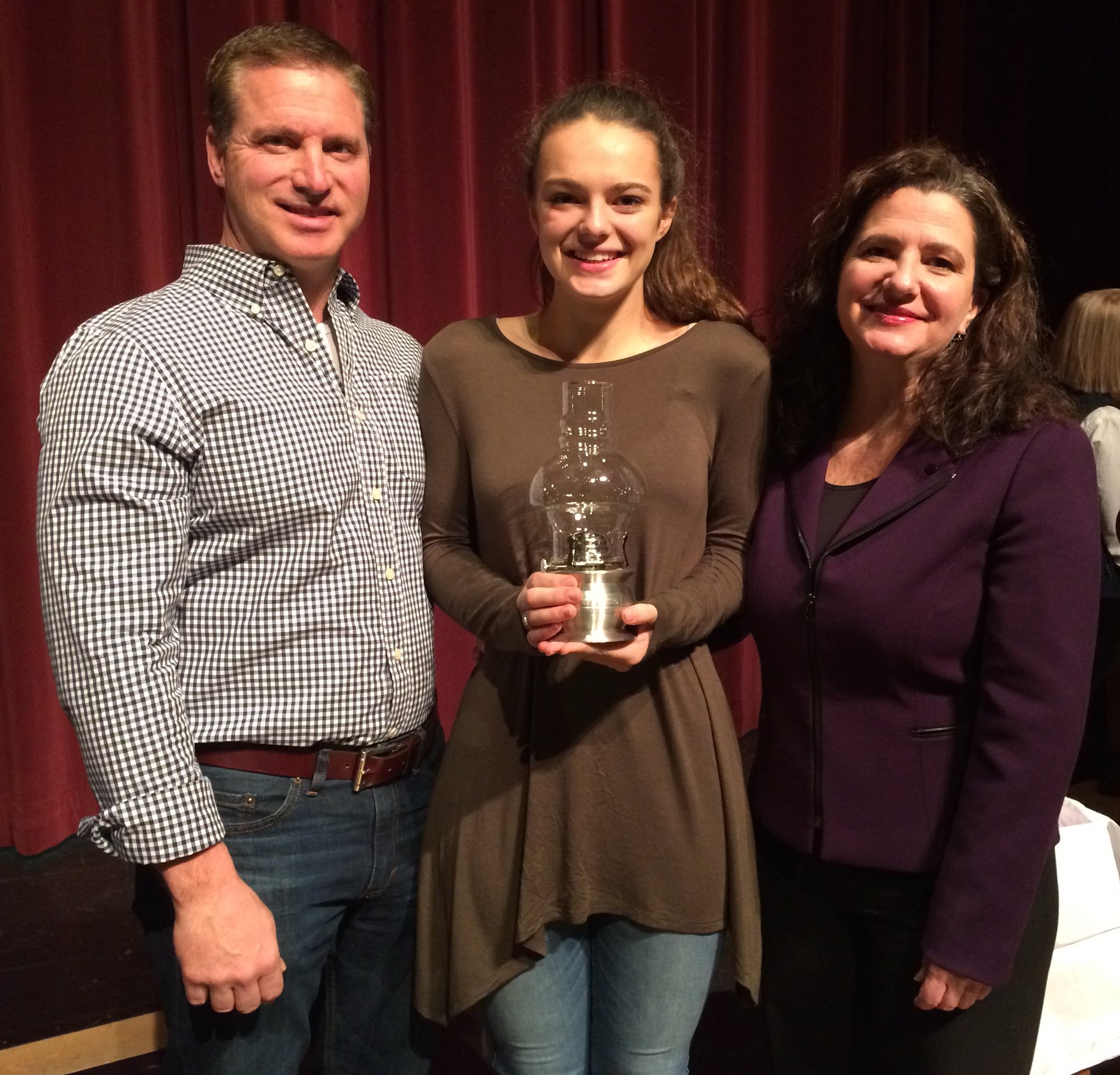 Congratulations to Mary Kate Gunville '17 recipient of the 2017Hector Hebert award. #yhslearns https://t.co/xTomfOIgwy