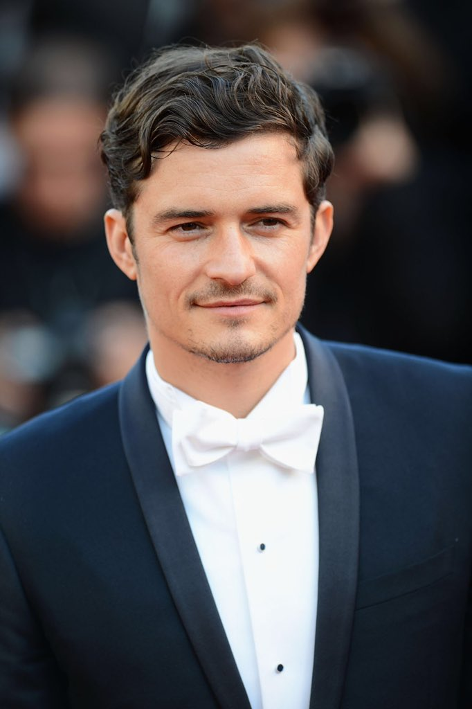 Happy birthday to my idol Orlando Bloom. Thank you for everything I love you so much