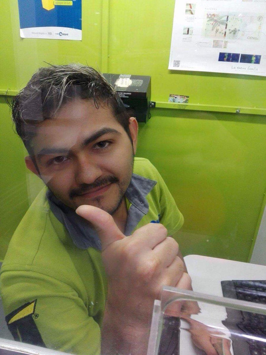 Felicitaciones a nuestro amigo Yeimar por el trabajo que consiguió... @yeimar_2108  #Exitos #SiHaytrabajo <br>http://pic.twitter.com/rvdN4t61TF