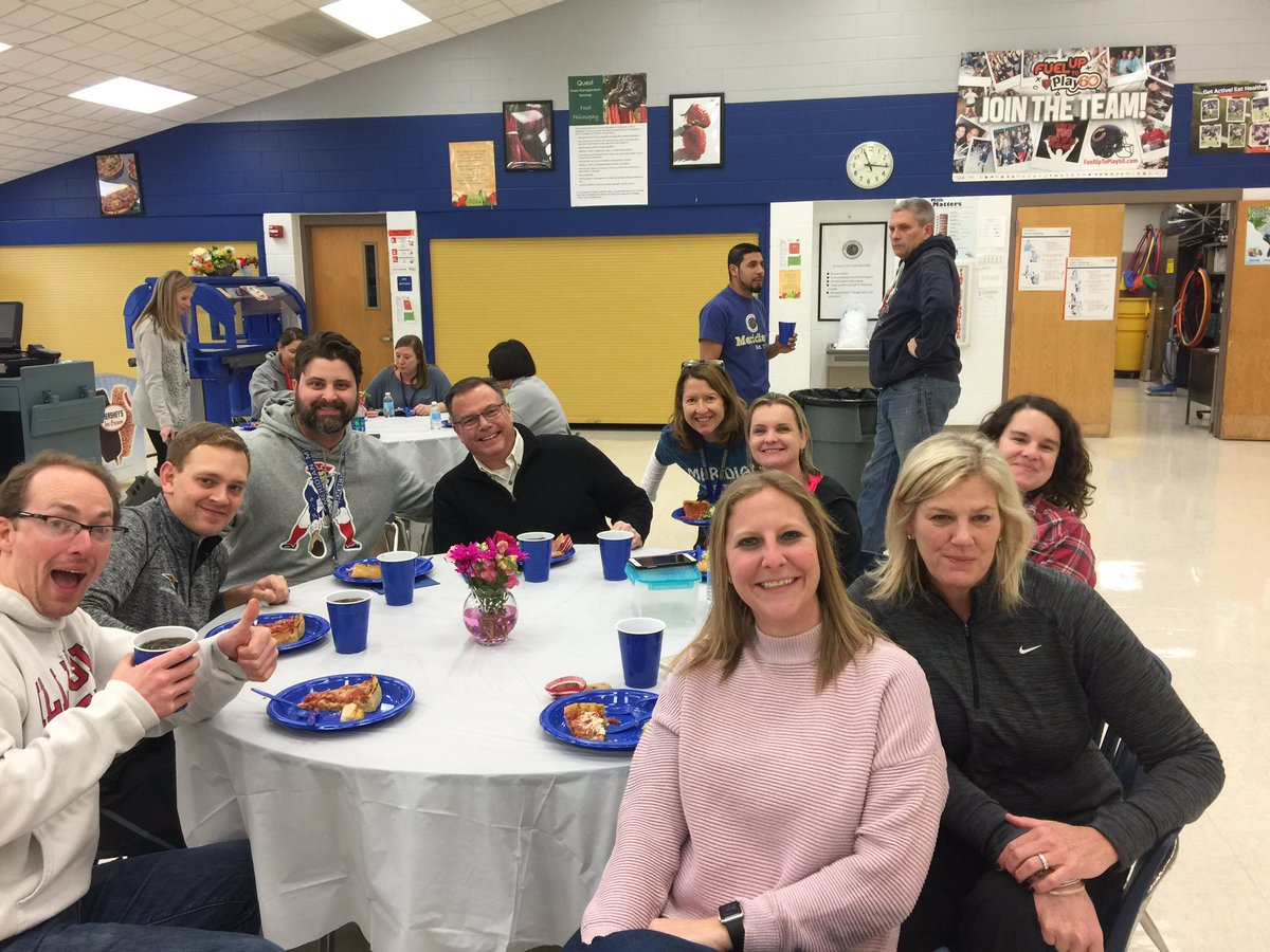 middle school lunch table. Modren Table Carrie Curtis On Twitter  In Middle School Lunch Table D