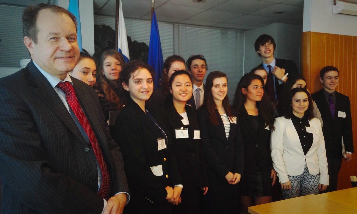 A group of students from Colorado visited us to learn more about the everyday work of the UN. #CMUNCE #ModelUN
