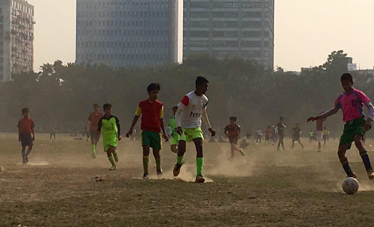 "Sangeet Kothari on Twitter: ""Winter morning at #Kolkata Maidan. #soccer  #soccermania #football #footballlove #Calcutta #winter #sports #iphonephoto  #streephotography… https://t.co/rzUN8bhEIV"""