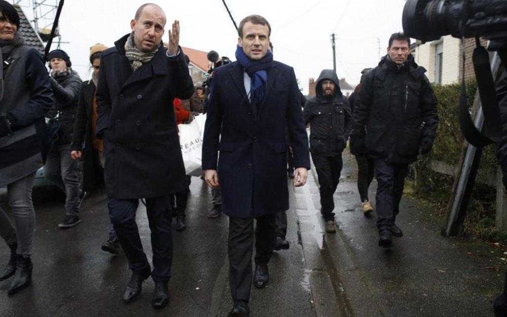 .@EmmanuelMacron défie le #FN à Henin Beaumont.Ne pas laisser de place au populisme #revolutionenmarche #YesWeWalk    http:// m.leparisien.fr/elections/pres identielle/candidats-et-programmes/presidentielle-macron-defie-le-front-national-a-henin-beaumont-13-01-2017-6564723.php#xtor=AD-1481423553 &nbsp; … <br>http://pic.twitter.com/etGxSiO664