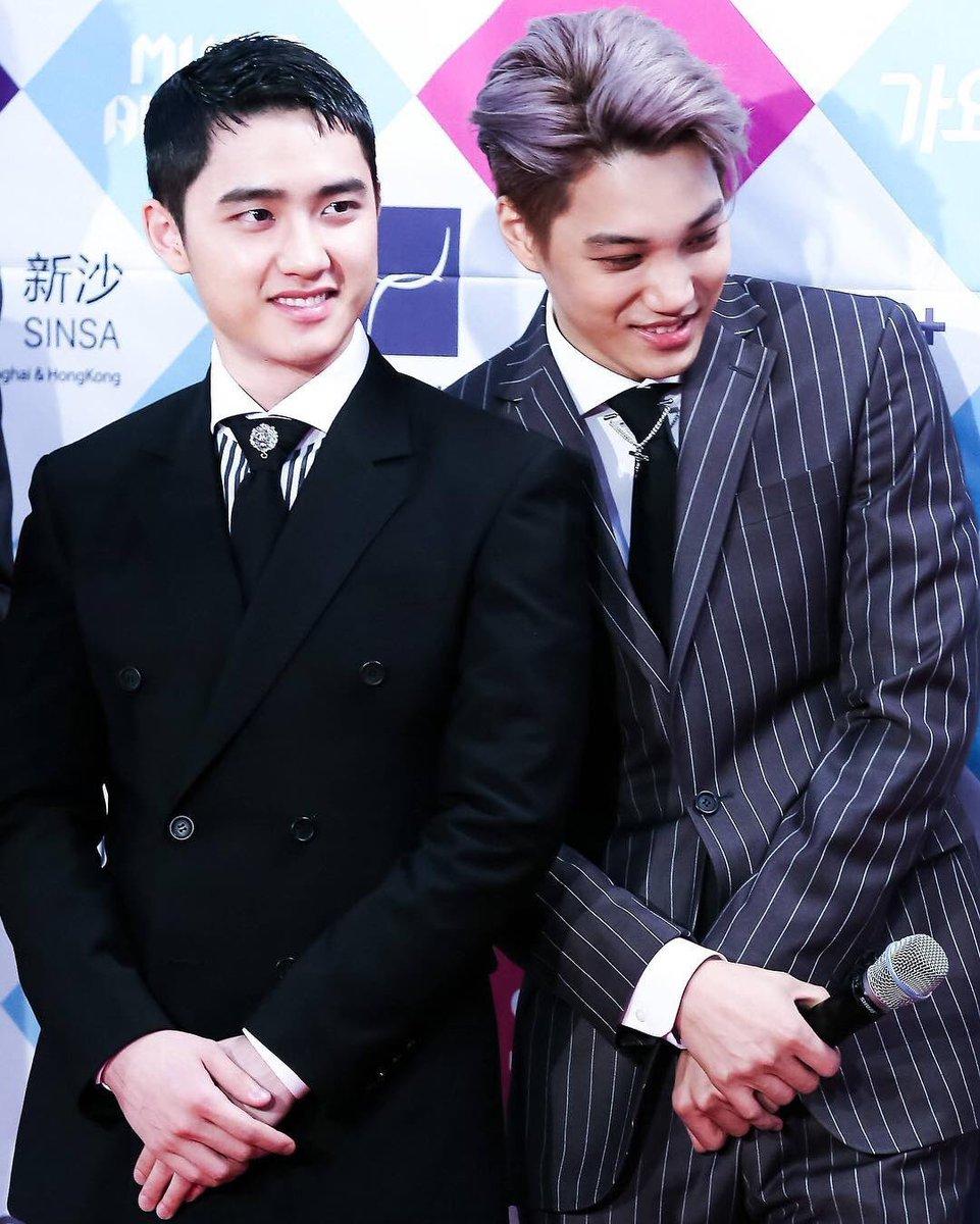 Happy Birthday to my January babies of #EXO, #Kyungsoo &amp; #Jongin  love you both to the moon &amp; back!!  #HappyDODay #HappyKaiDay<br>http://pic.twitter.com/gkx9f04IKZ