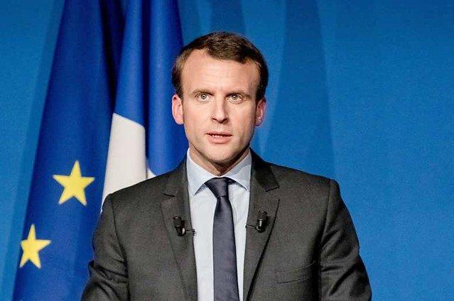 Oui @EmmanuelMacron est un rempart face au #FN Aidons le à être un rempart encore plus solide #EnMarche #YesWeWalk    http://www. lcp.fr/afp/emmanuel-m acron-se-veut-un-rempart-face-au-fn &nbsp; … <br>http://pic.twitter.com/puQmkE2wrv