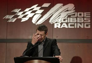 (The Roanoke Times) #McFarling: As #Carl Edwards, Seth Dooley step away, please remember..  http://www. inusanews.com/article/654702 1612/mcfarling-carl-edwards-seth-dooley-remember-perseverance &nbsp; … <br>http://pic.twitter.com/HgrTLyynDv