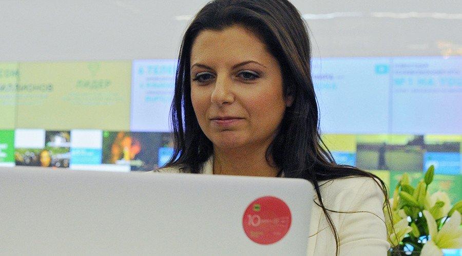 La rédactrice en chef de #RT se moque du #piratage de #CSPAN : «la main de RT est si longue»  https:// francais.rt.com/international/ 32293-redactrice-chef-rt-se-moque-piratage-c-span &nbsp; … <br>http://pic.twitter.com/YeflX8Y9TV